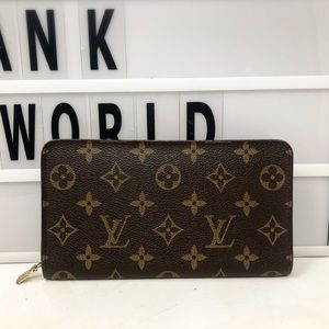 Louis Vuitton Zippy Monogram Long wallet zip up